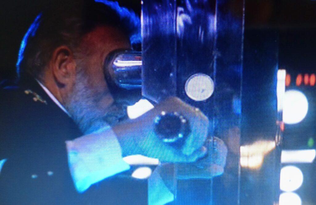 レッドオクトーバー潜望鏡
